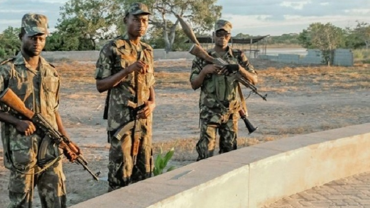 mozambique army 1 R 1