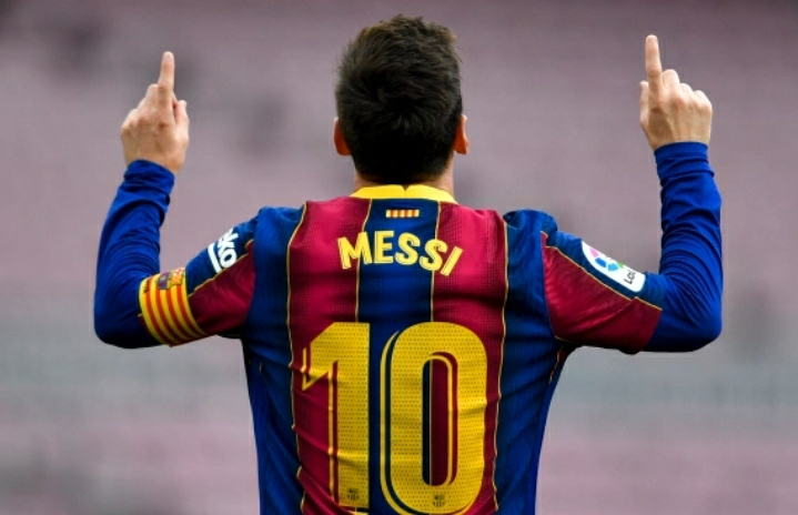 Messi's future uncertain as Barcelona contract ends
